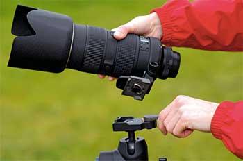 レンズが重い・長い場合はカメラでなくレンズをマウントします
