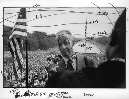 ボブ・ヘンリケさんの撮ったアンリ・カルティエ=ブレッソン。右手前にいるのがマーティン・ルーサー・キング・ジュニア。